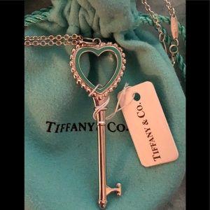 NWT Tiffany & Co Beaded Heart Key Pendant & Chain